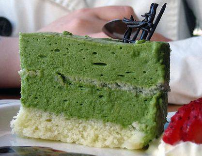 Десерты с порошком матча получается красивыми и вкусными