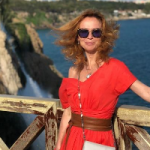 Елена Захарова с дочкой-малышкой отправилась на маевку в Турцию