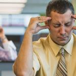 Почему нельзя сдерживать эмоции на работе