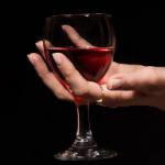 Диетологи назвали не возбраняющийся при похудении алкоголь