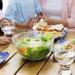 Стоит ли запивать съеденную пищу водой?