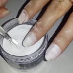 Ухоженные руки: акриловая пудра вместо лака для ногтей