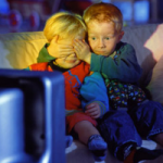 Психологи рассказали о важности просмотра мультфильмов с детьми