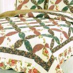 Домашний текстиль: что важнее – плед или покрывало