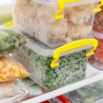 Названы продукты, которые нельзя отправлять в морозилку
