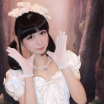 Хрупкая японская школьница оказалась… женатым мужчиной