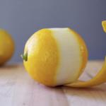 Диетолог перечислила полезные свойства кожуры лимона