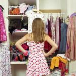 Эксперты не советуют спешить с покупкой новых вещей