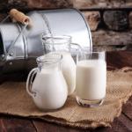 Распрощаться с лишним весом поможет обычное молоко