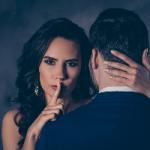 Как женщины добиваются своего: названы «опасные» фразы