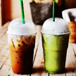 Эксперты рассказали о вредности холодного чая и кофе в жару