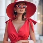 Модельер дал советы любителям алой одежды