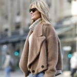 С чем сочетать свитер с высоким горлом зимой-2021