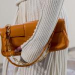 Стилист назвала трендовые варианты сумок-2021