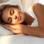 Косметолог поделилась секретами сна для молодости