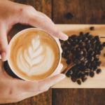 Врач рассказал о вреде кофе по утрам