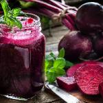 Определен самый полезный сок для сердца и мозга