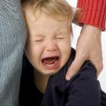 О чем не следует говорить плачущему ребенку