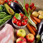 Диетолог рассказала об идеальной схеме питания летом