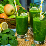 Зеленые коктейли способствуют похудению и очищению организма