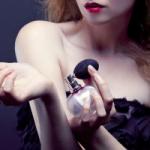 Парфюмеры рассказали о правилах нанесения аромата