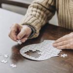 Невролог указала на первые признаки болезни Альцгеймера