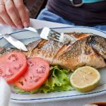 Специалисты рекомендуют обязательно употреблять рыбу
